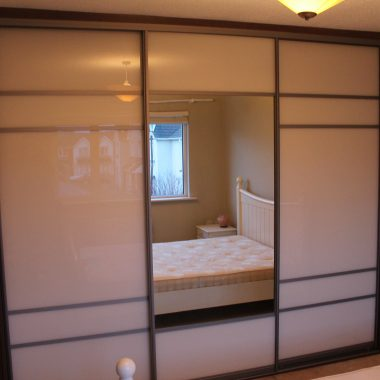 Annetta stack #AFTER# with doors on BACK BEDROOM.  pearl white